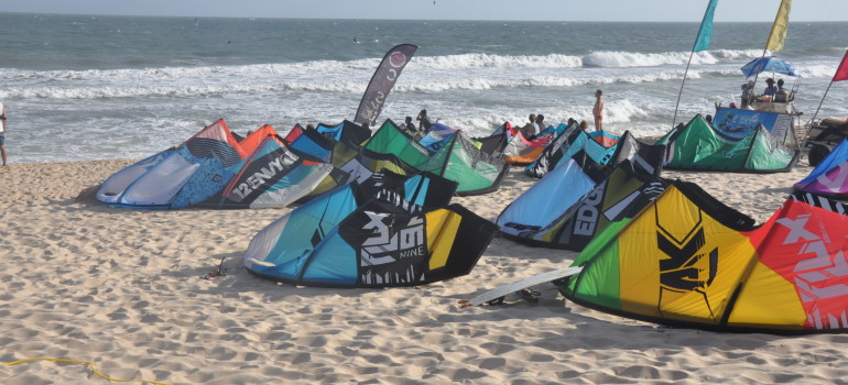 Big air kitesurfing vietnam kta